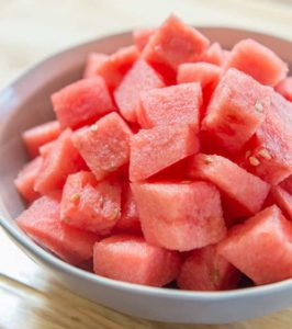 cut-watermelon-for-rabbit